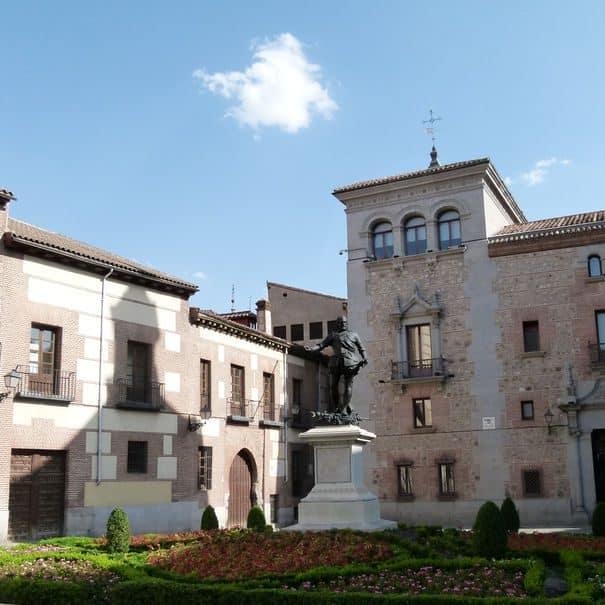 plaza - villa